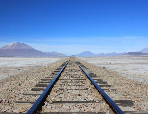 Voie de chemin de fer située dans le Sud Lipez en Bolivie