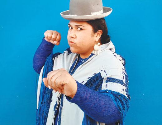 Femme cholita bolivienne luchadora