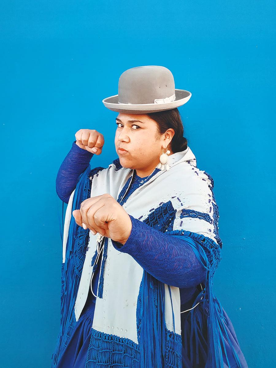 Femme cholita bolivienne photographiée par Luisa Dörr
